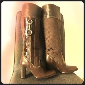 Coach Yvette Leather boots - like new sz 6